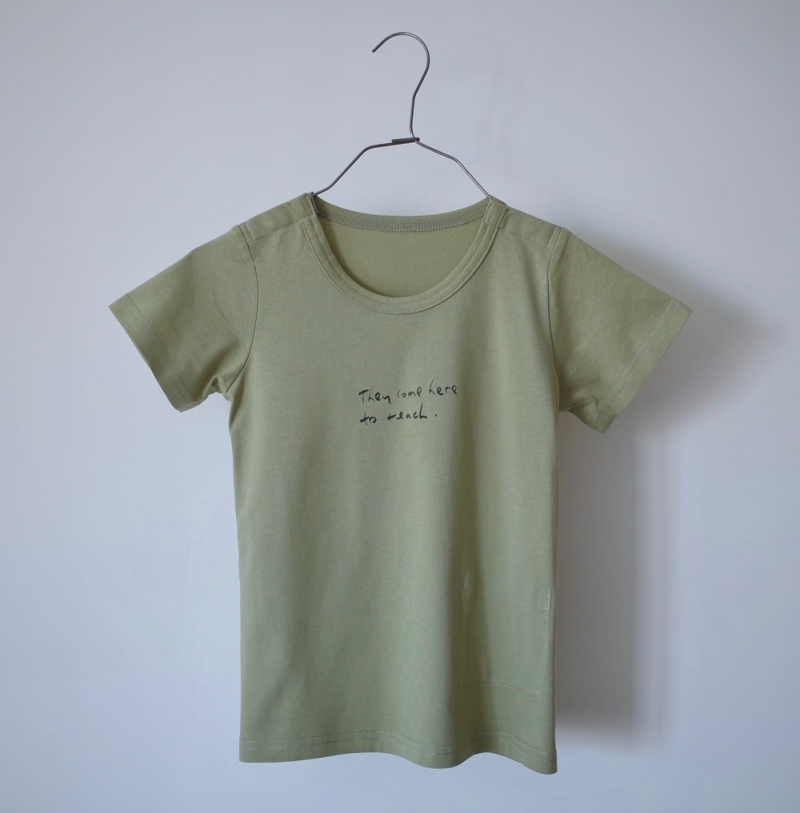 Round neck tee . w snaps (Text on tee: They Come Here To Teach)